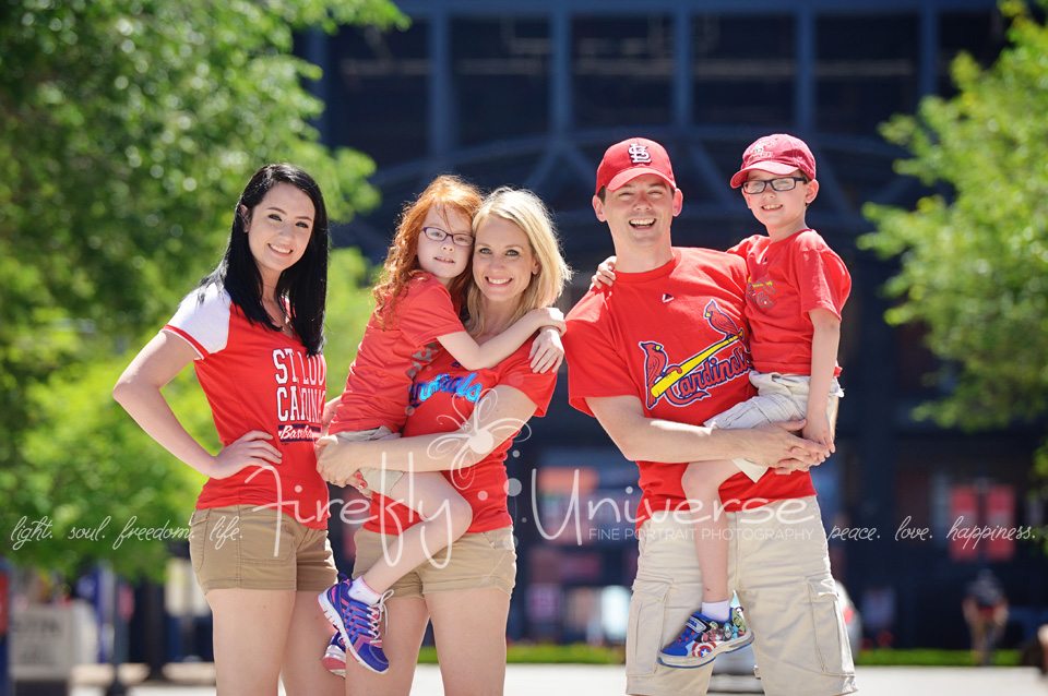 st-louis-family-photographer-busch-stadium (12)